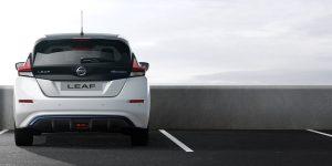 Nissan Leaf - gerade von hinten