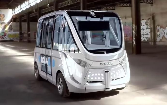 Navya, Autonom Bus, von vorne. breit