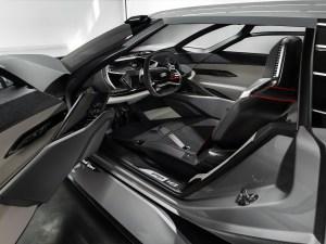 Audi PB18 e-tron - Fahrersitz verschiebbar dank wireless System