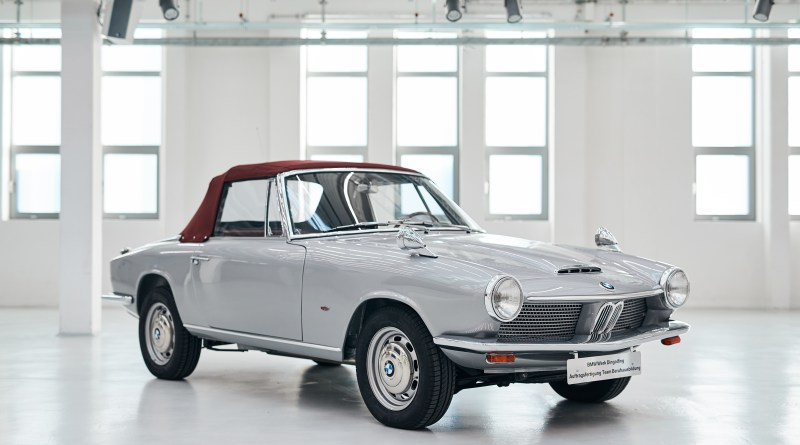 Beitragsbild - BMW-1600-Cabrio-Bj.-1967-restauriert-von-Azubis-im-Werk-Dingolfing-Foto-BMW