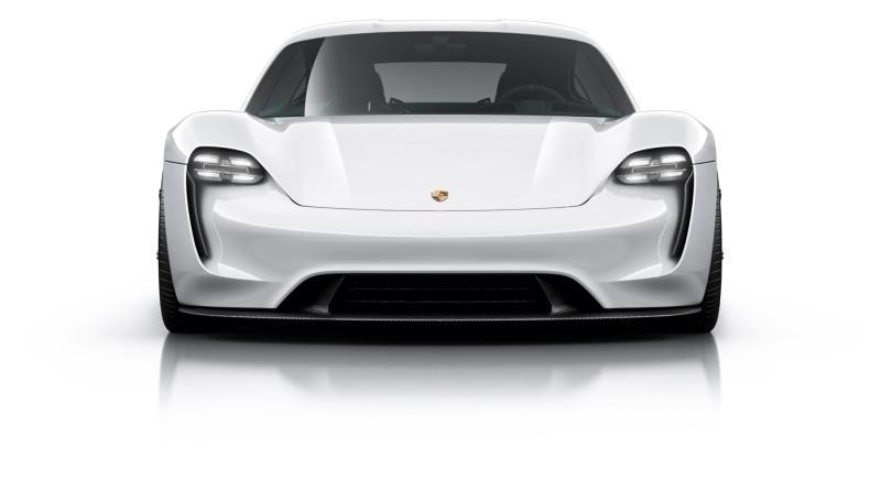 Porsche Taycan - Elektroauto, 600 PS, Zwei Motoren, Preis ab 75.000 € - Foto Porsche