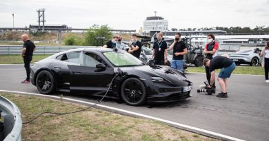 Porsche stellt mit dem Taycan neuen Drift Rekord auf