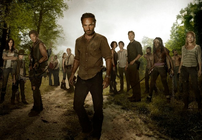 (L-R) Lori Grimes (Sarah Wayne Callies); Carl Grimes (Chandler Riggs); Daryl Dixon (Norman Reedus); Carol (Melissa Suzanne McBride); T-Dog (Robert 'IronE' Singleton); Beth Greene (Emily Kinney); Hershel Greene (Scott Wilson); Rick Grimes (Andrew Lincoln); Maggie Greene (Lauren Cohan); Glenn (Steven Yeun); The Governor (David Morrissey); Michonne (Danai Gurira) and Andrea (Laurie Holden) - The Walking Dead - Season 3 - Full cast photo - Photo Credit: Frank Ockenfels/AMC