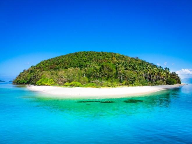 Desert-Island-Palawan-Philippines