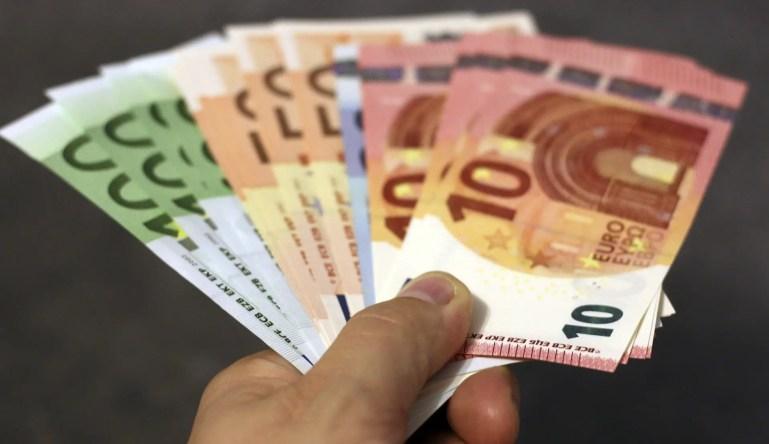 money 1005464 1920