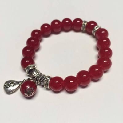 Glass bead stretch bracelet in red