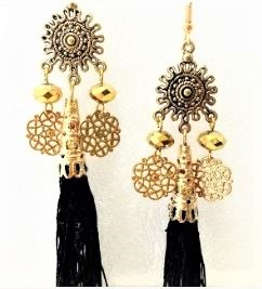 Shanti gold in black (2)
