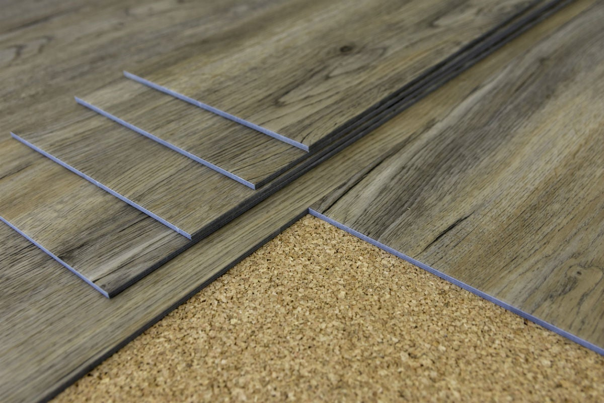 7 vinyl flooring pros and cons worth