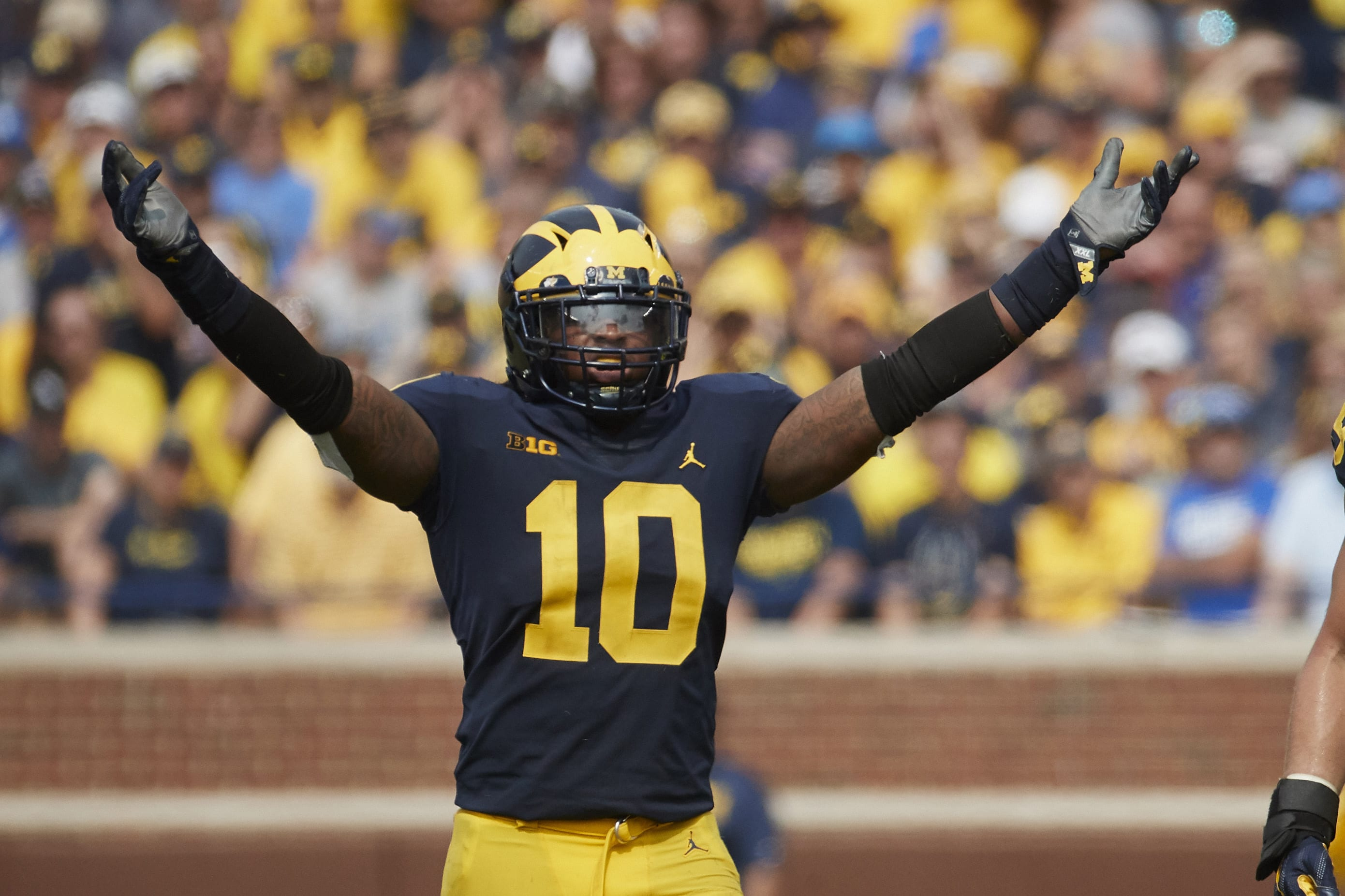 The New York Giants should consider Devin Bush in the 2019 NFL Draft.