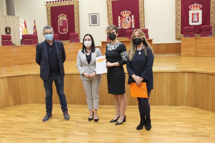 El Ayuntamiento de Yecla obtiene la certificación ISO 9001:2015 que acredita la calidad de sus cursos de formación para el empleo.