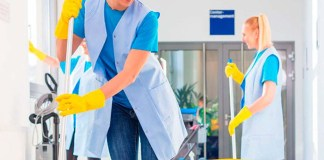 personal de limpieza Male and female cleaning staff limpieador limpiadora cleannig staff