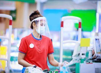 cajera de supermercado empleada de supermercado trabajadora en supermercado de cajera carhiers in supermarket