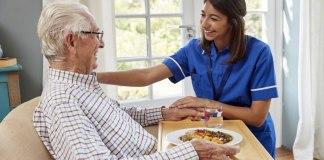 cuidadora domiciliaria cuidadores de adultos mayores home caregiver caregivers of older adults cuidadora externa