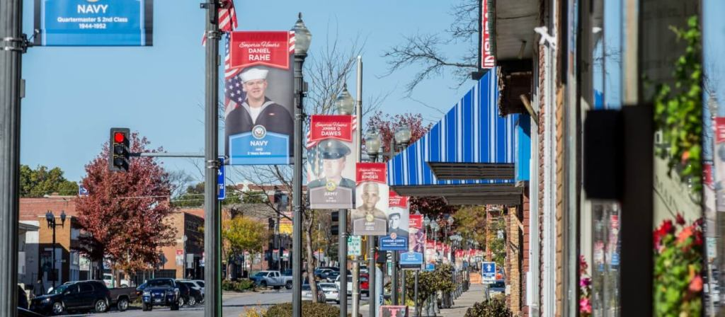 veterans-banners-downtown