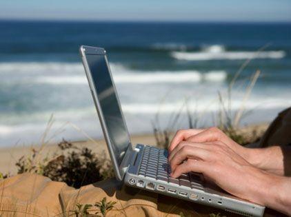 laptop-beach1