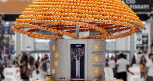 Esta máquina exprime naranjas e imprime vasos en 3D con la cáscara