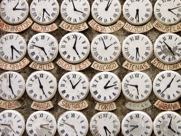 El tiempo dinero zonas horarias negocios internacionales