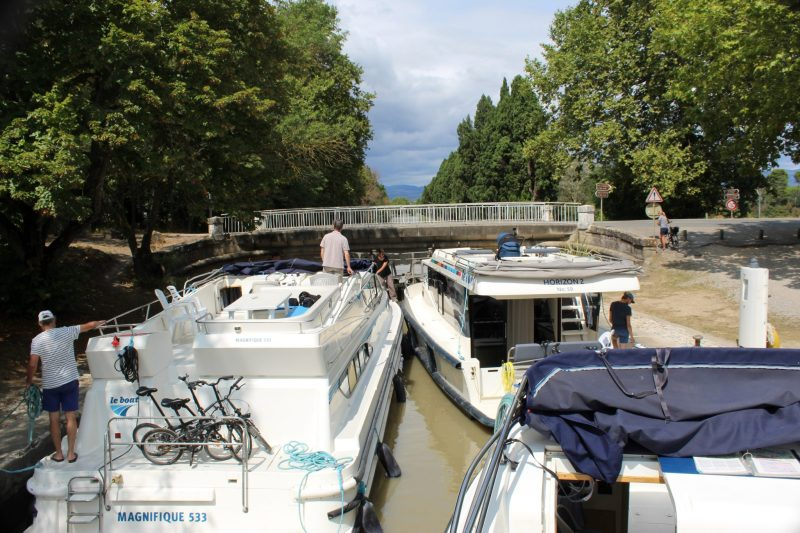 Canal du Midi cruise: Explore Southern France 2 The Canal du Midi, a silky pale green liquid ribbon that slowly meanders connecting the Mediterranean port city of Sète to Toulouse is one of the most nota