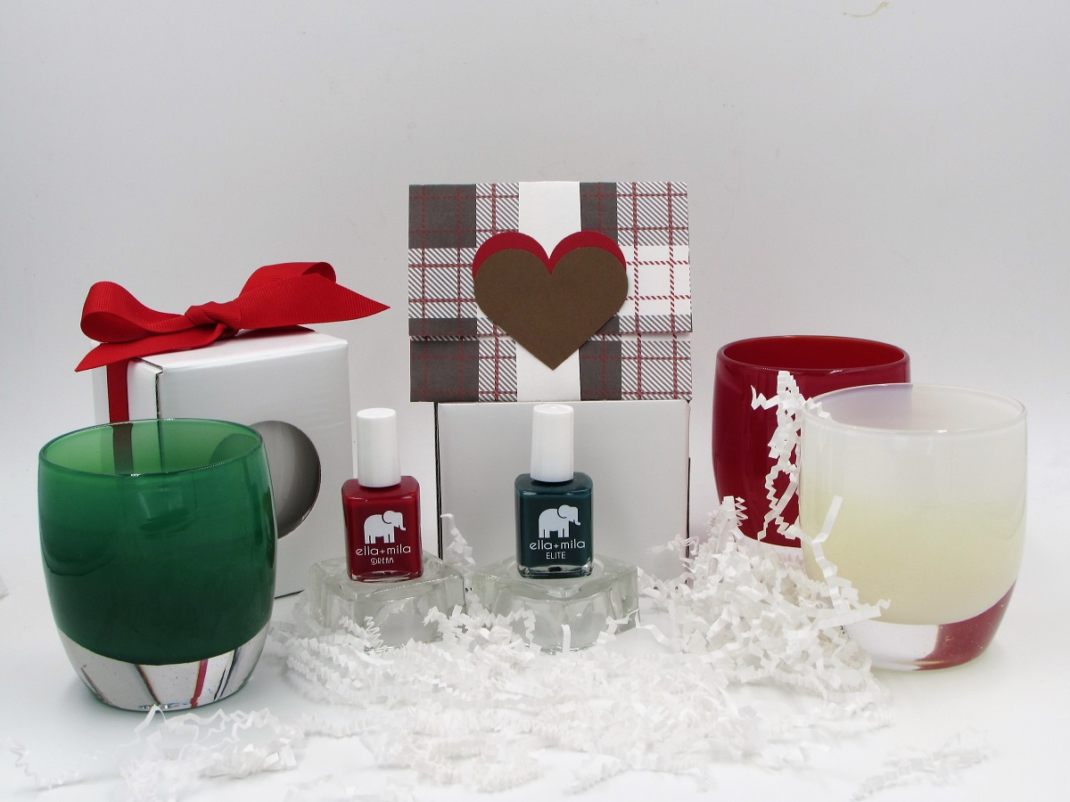 Holiday gift guide, empty nester gifts, gifts for empty nesters, empty nester gift guide, empty nester holiday gift guide, gifts for senior adults, gift ideas for senior adults, gifts for her, gift ideas for her, gift ideas for women, gift ideas for midlife women, gift ideas for married couples, gift ideas for millennials,gift ideas for young adults, gift ideas for college kids, holiday gift ideas, Christmas gift ideas, empty nest, empty nester, empty nesters, empty nest syndrome, empty nest blessed, midtermfix, etsy, acorn gert, adorejules, kisses for us, entrepreneurs, empty nester entrepreneurs