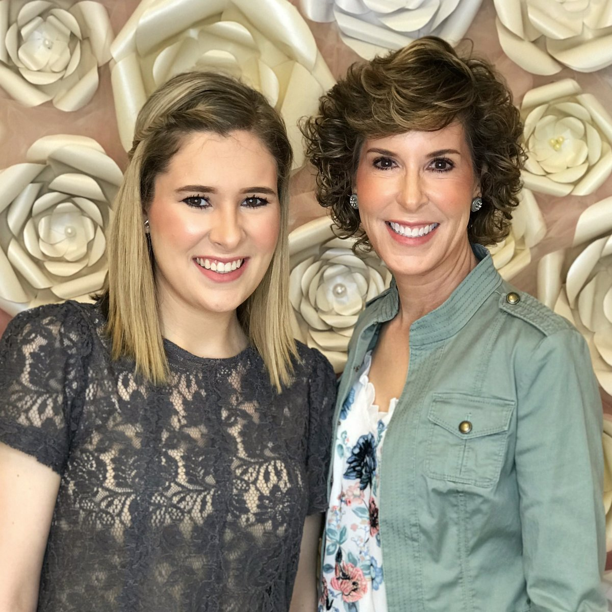 mothers and dauthers, mother daughter photo shoot, so in the know, mother daughter makeup