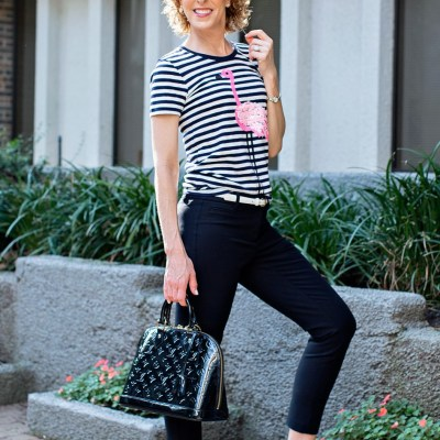 Travel apps, best travel apps, favorite travel apps, new travel apps, jcrew factory flamingo tee, flamingo tee, flamingo tshirt, j crew factory flamingo tee shirt, apps to use when traveling, apps to use when you travel