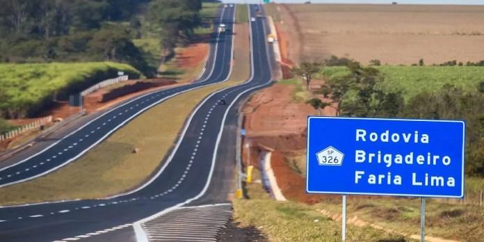 O Governador de São Paulo, entregou trecho de duplicacação da SP-326, Rodovia Faria Lima, no município de Santa Ernestina .  14/06/2016 -  Santa Ernestina  -   Foto: Eduardo Saraiva/A2IMG