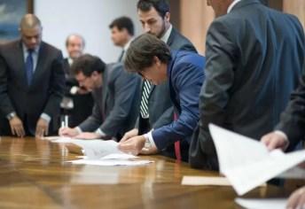 O Governador do Estado de São Paulo assina autorizo para contratos de financiamento para 7 municípios, no Palácio dos Bandeirantes Data: 17/06/2016. Local: São Paulo/SP. Foto: Alexandre Moreira/A2IMG