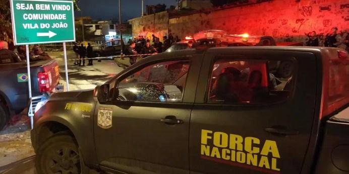 Rio de Janeiro - Agentes da Força Nacional foram feridos a tiros hoje (10) na Vila do João, localidade do Complexo da Maré, zona norte do Rio de Janeiro (Vladimir Platonow/Agência Brasil)