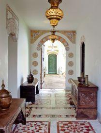 gorgeous-moroccan-hallway