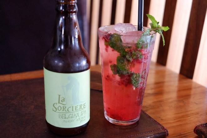 """Boa seleção de cervejas artesanais e """"refrigerantes"""" caseiros"""