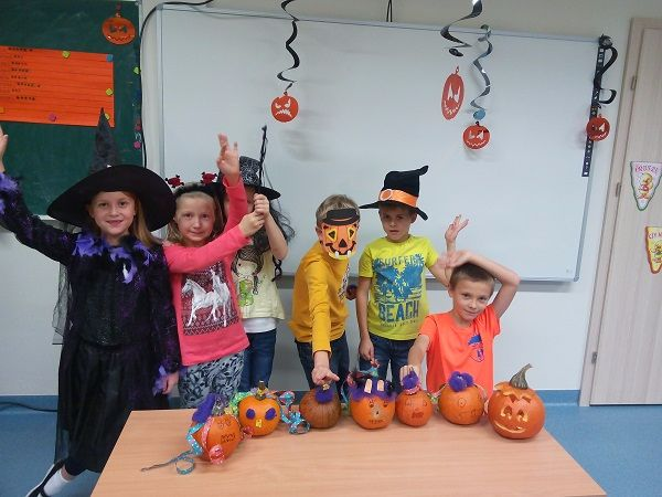 Halloween w EMU School of English