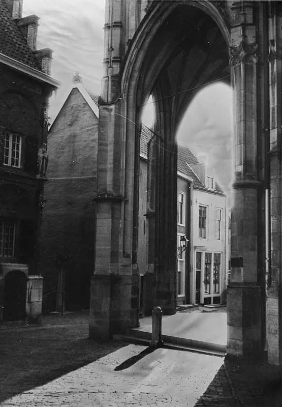 Stevenskerk in Nijmegen - Rollei 35 LED - TMAX 100 flashed print