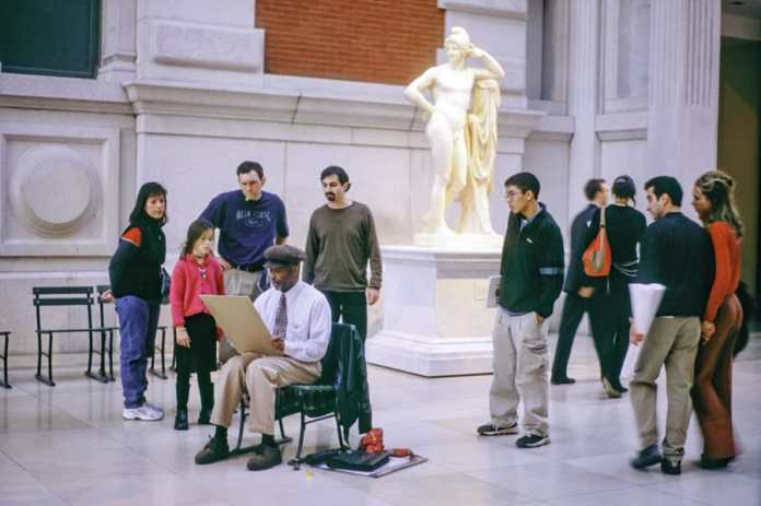 Painter at the Met, New York City, 2004 © Joseph Gamble