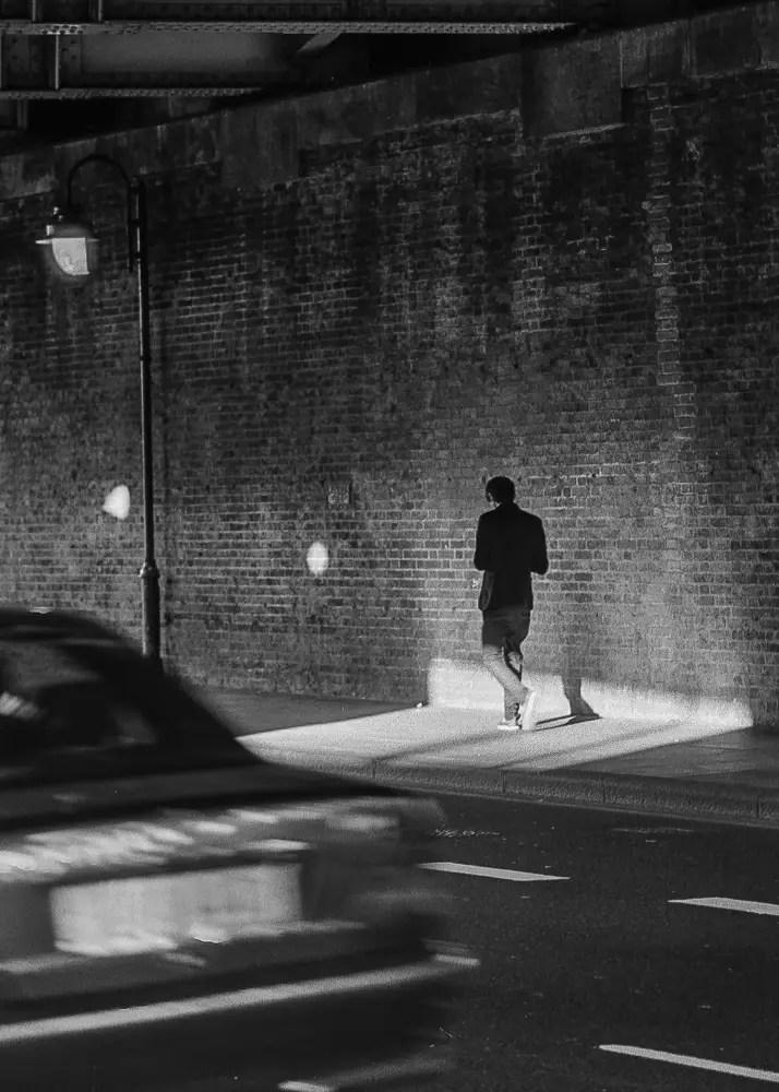 LONDON STREET - Canon 300, Ilford HP5 Plus 400