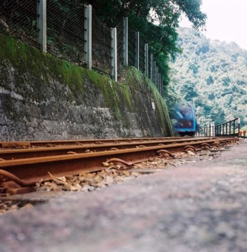 Railroaded - Kodak Ektar 100 shot at ISO100. 120 / 6x6 @kodakCB #believeinfilm