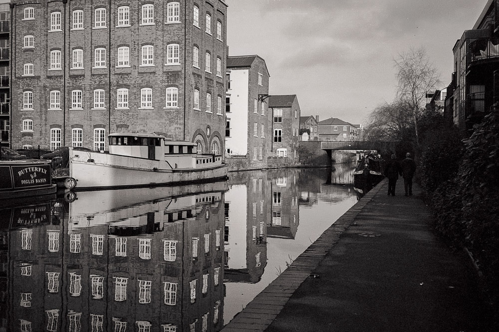 Worcester Birmingham Canal - Yashica T5 - Ilford XP2 Super