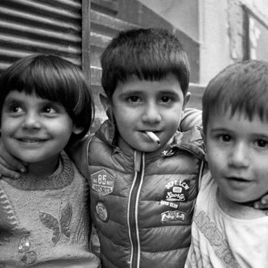 Kids smoking on the streets of Istanbul - Keith Moss