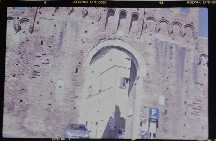 Ikonta 515 - Siena Walls (Le mura di Siena) - Zeiss Ikon Nettar 515:2 - Ektachrome Professional 200