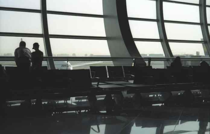 """Departure"", Dubai Airport, Dubai, January 2014 - Kodak ColorPlus 200 / Zeiss IKON Z M/ Zeiss 50mm F/1.5"