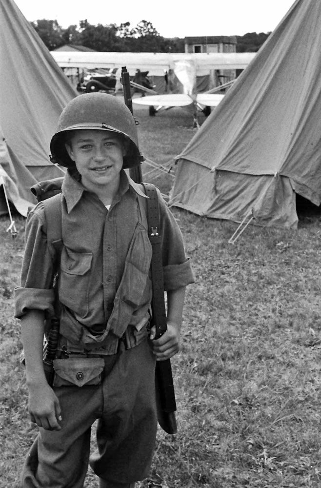 Young GI with realistic toy rifle, 6/15, HP5 in HC110 Dilution H