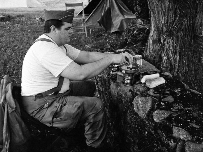 Cooking SPAM on an improvised stove, 7/14, Ilford Delta 3200 (120) in HC110 Dilution B (1:31)