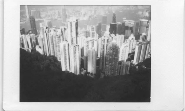 攝影比賽: 贏得新的徠卡 SOFORT 拍立得和富士黑白 Instax Mini Monochrome 底片