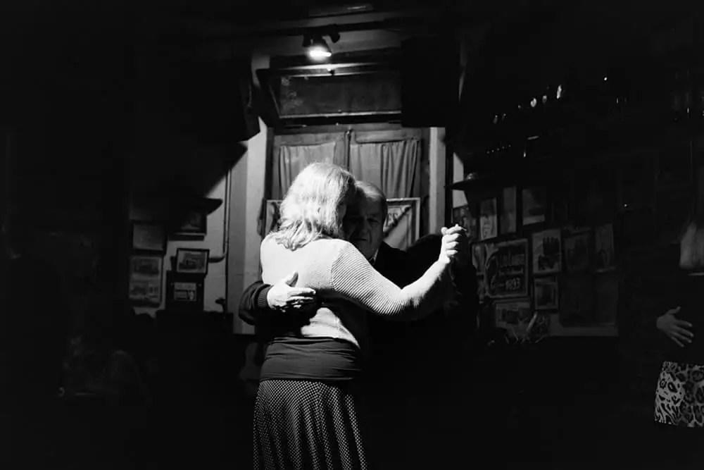 Los Laureles, Buenos Aires - Leica M6, Voigtländer Nokton 50mm f/1.1, HP5+.