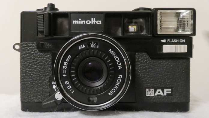Minolta Hi-Matic AF - The front of the camera