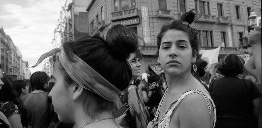 JCH Streetpan 400 BW - Marcha Mujeres