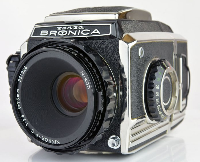 Zenza Bronica S2A - Front Right