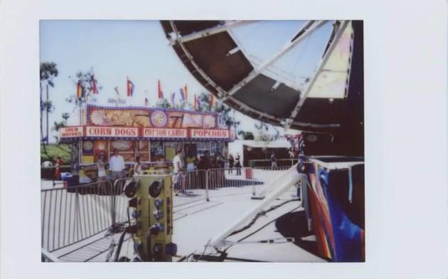 Leica Sofort - Carnival