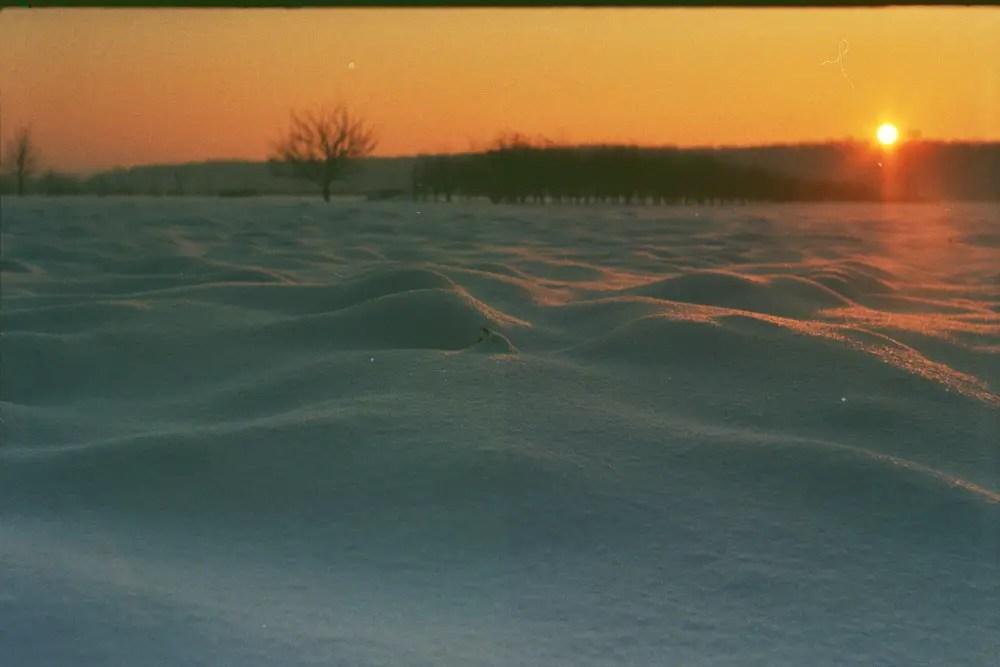 Snow Dunes - Praktica MTL 5B + Pentacon 50mm f/1.8 + Fujicolor C200