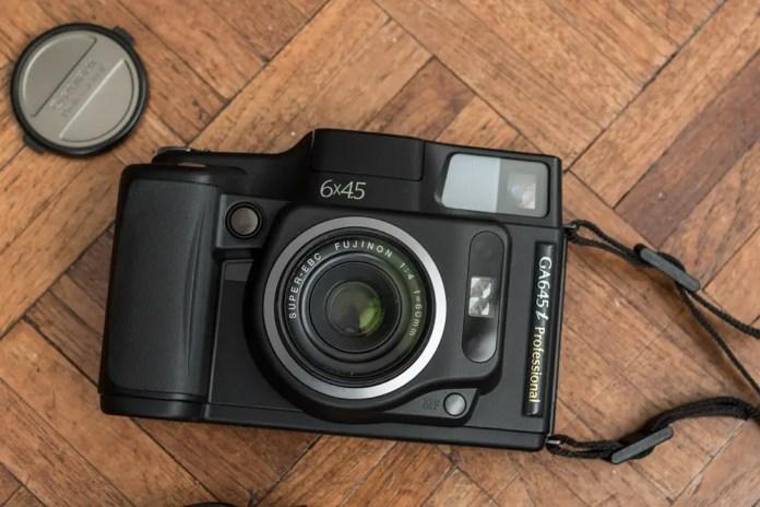 Fuji GA645i - Front
