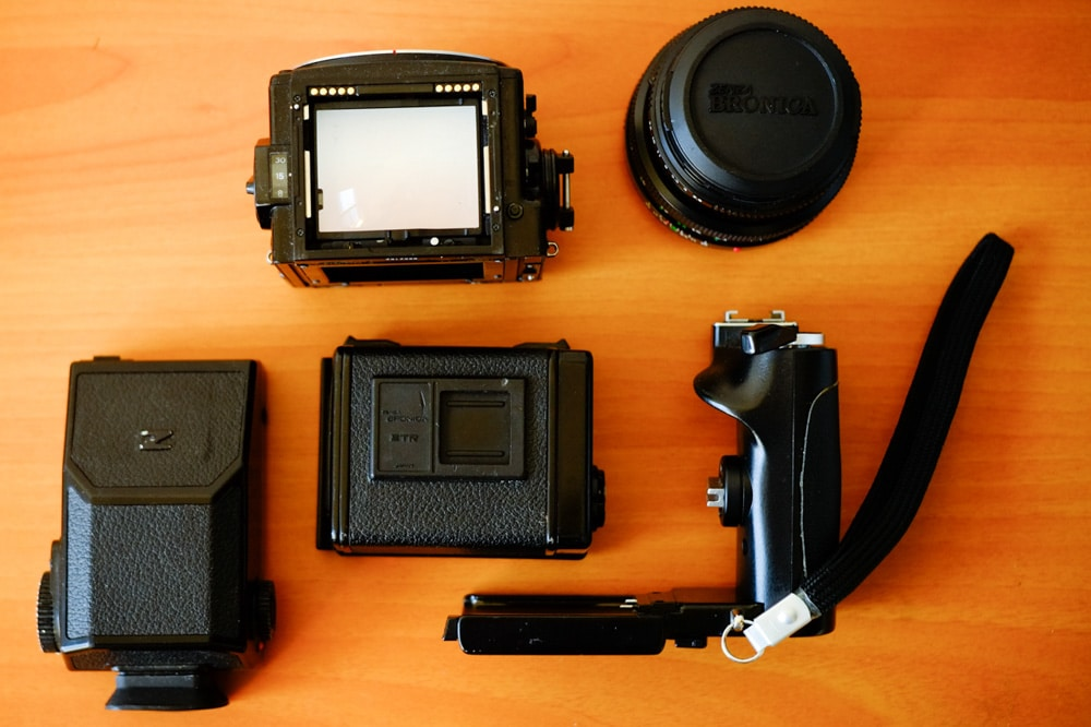 Bronica ETRSi - Exploded